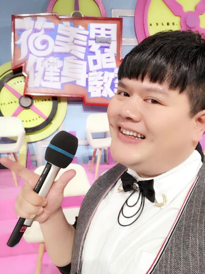 喜剧人谢波签署新东家 全面开启综艺新道路