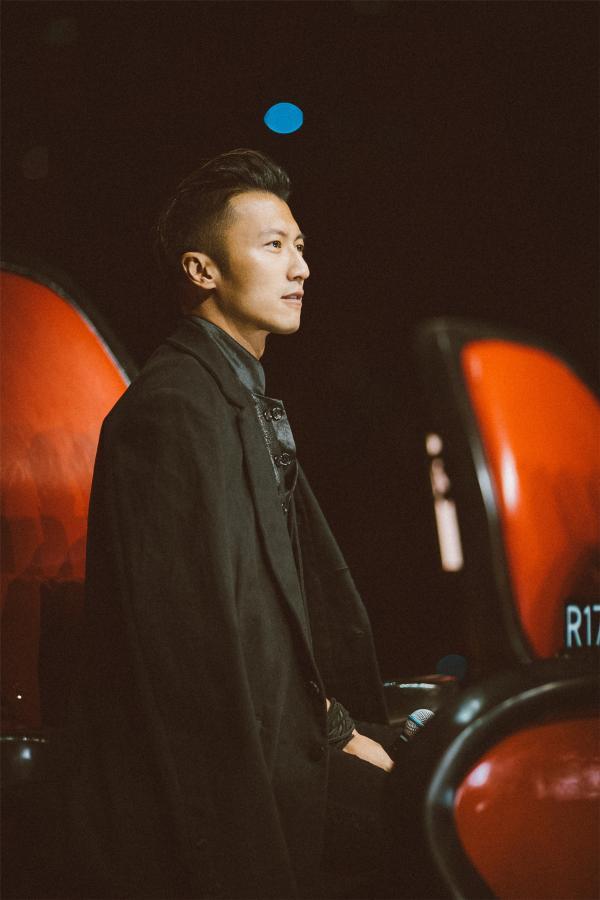 《中国好声音》澳门演唱会谢霆锋再唱 经典导师之旅完美收官