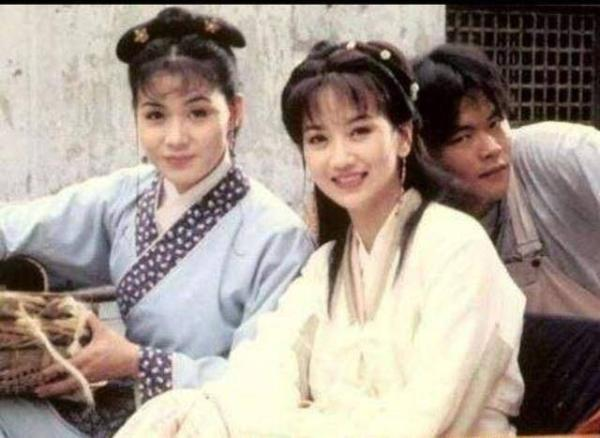 41岁宛如14岁!网曝赵雅芝20年前片场花絮照 少女感十足