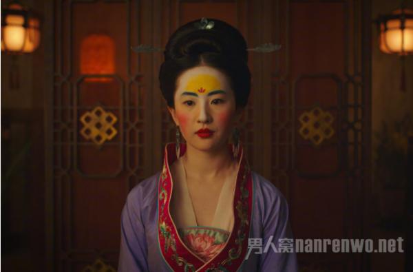 花木兰真人版预告上线 刘亦菲打戏帅气 造型惊艳