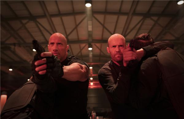 《速度与激情:特别行动》三大巨头展逆天神技