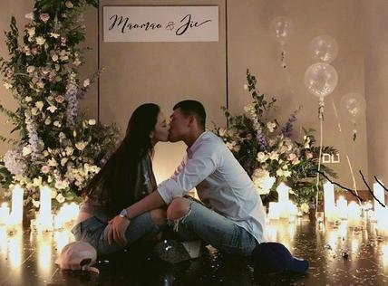 张馨予为老公何捷庆生 结婚一周年甜蜜接吻超幸福
