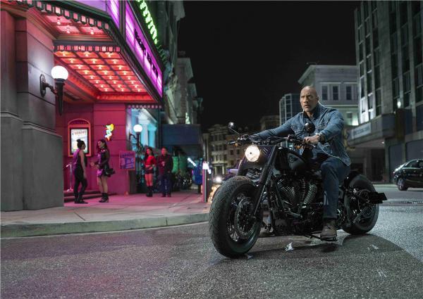 《速度与激情:特别行动》预售开启 霍布斯家族赤膊开打上演热血激战