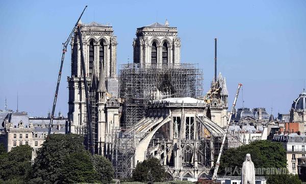 巴黎圣母院火灾将拍剧 事件始末重现 网友:丧事喜办?
