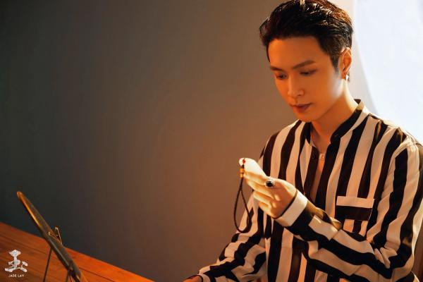 """张艺兴新专辑先行曲《玉》今日上线 以""""玉""""为引探寻音乐世界里的前世今生"""