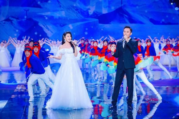 冬奥文化推广使者伊丽媛携手刘烨 首唱冬奥优秀歌曲作品《冰雪冬奥》