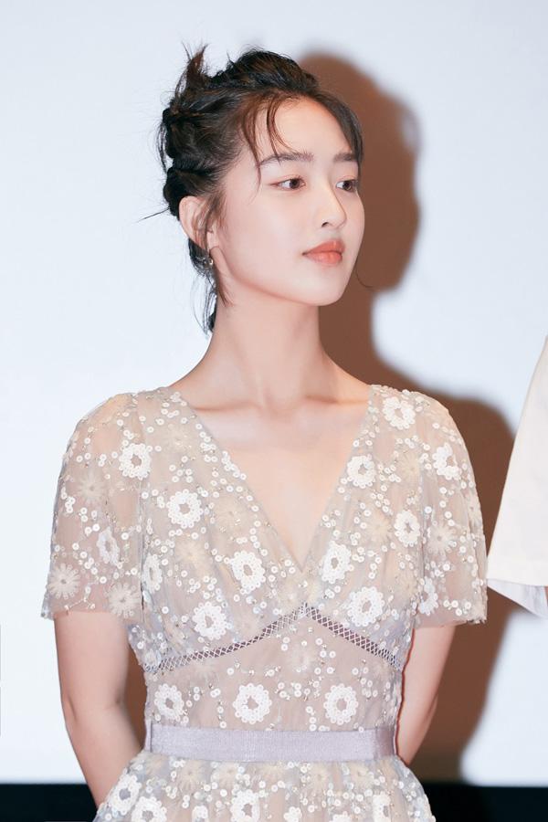 电影《风平浪静》展映热度口碑双高 邓恩熙表演获好评