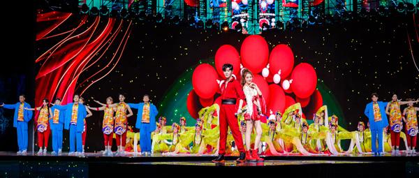 小唐人组合登央视七夕晚会 献唱国风新歌《唐人恋曲》