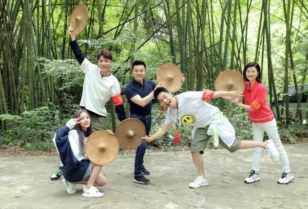 《我们在行动》第五季林依轮张紫宁乡村热舞