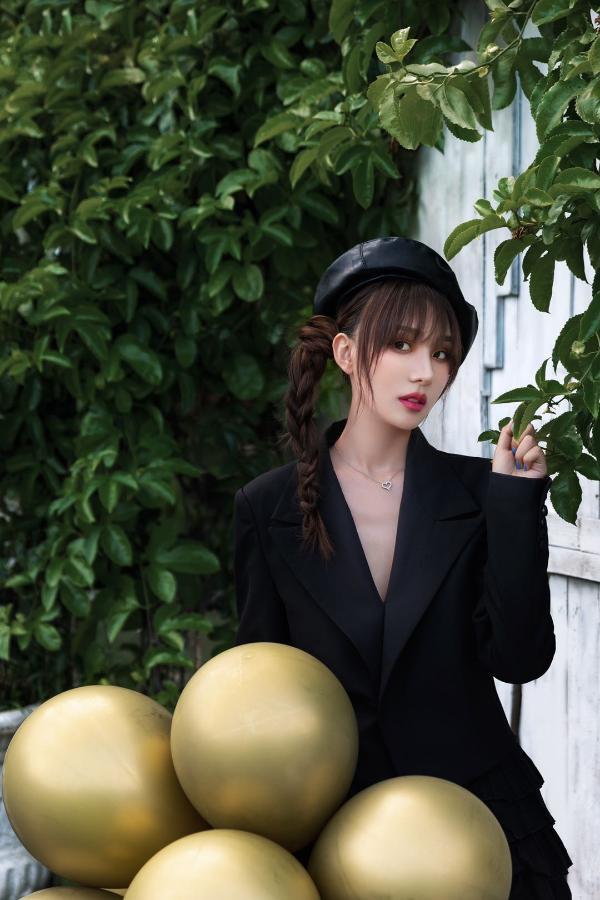 麒霏首张同名专辑 「麒霏Kathrain」 恋爱絮语第二步《With you》甜美来袭