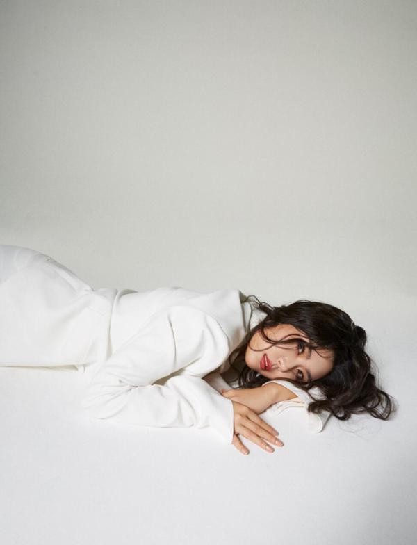 《以家人之名》插曲《If Rain》上线引热议 温柔女声萨吉诠释大爱