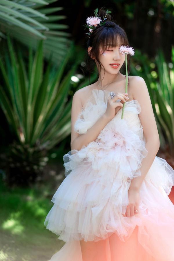 麒霏首张同名专辑 「麒霏Kathrain」 甜蜜上线