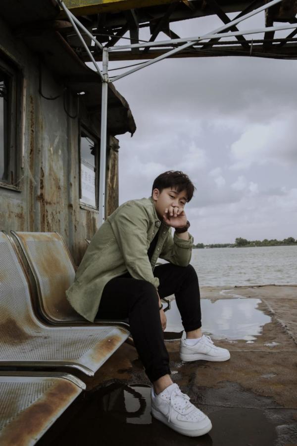 华语乐坛新锐唱作人周岩博全新单曲《遥远》全网隆重上线