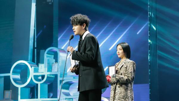 BEM音乐盛典首唱新歌 赵泳鑫实力诠释《完美》