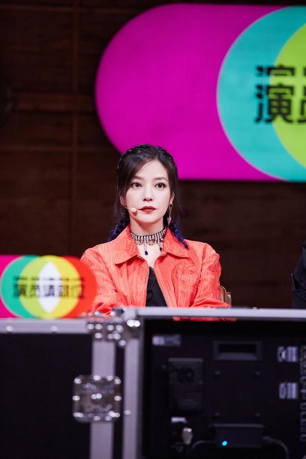 《演员请就位2》第五期播出 赵薇执导剧目展露深厚导演功底