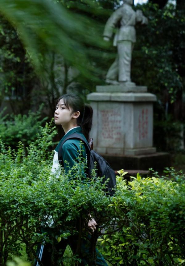 电影《风平浪静》上映 刁秋语银幕首作引期待