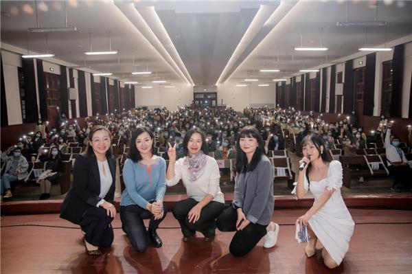 音乐戏剧电影《美丽的蓝色多瑙河》走进复旦大学 原华受邀参加观影分享会