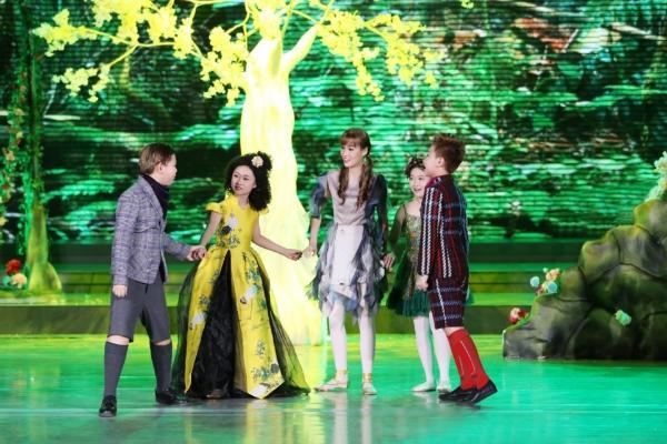 隋晚弥主演的大型原创音乐剧《安徒生之旅》正式发行