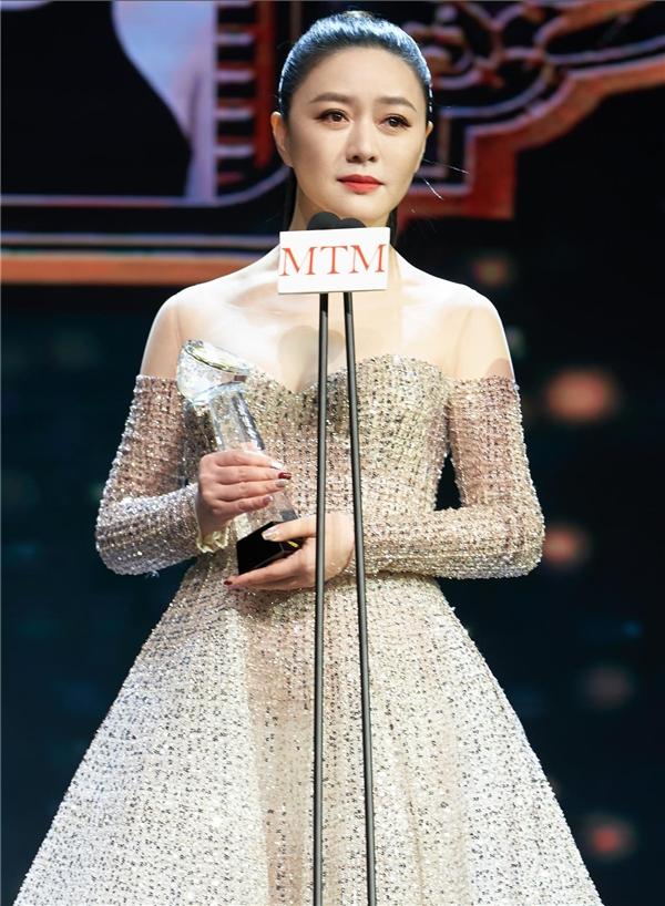 田海蓉获澳门国际电影节最佳女配 演技精湛当之无愧