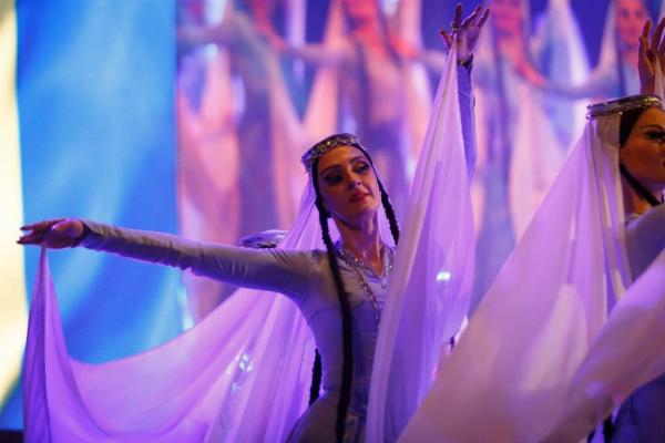 《相约北京》赏史诗歌剧,跳风情探戈,嗨唱世界流行音乐!