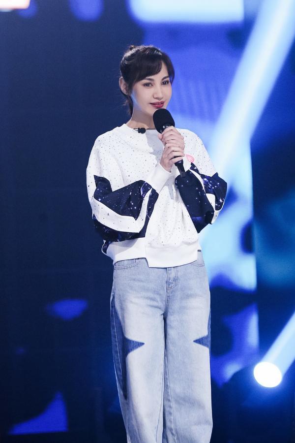 《我是特优声》杨雪犯了青春舞台上的错误 流下了眼泪