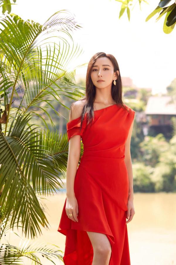 胡静加入《乘风破浪的姐姐》第二季银幕姐妹挑战舞台