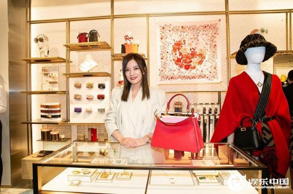 赵薇在品牌活动中优雅的外表 优秀的生活状态 热搜