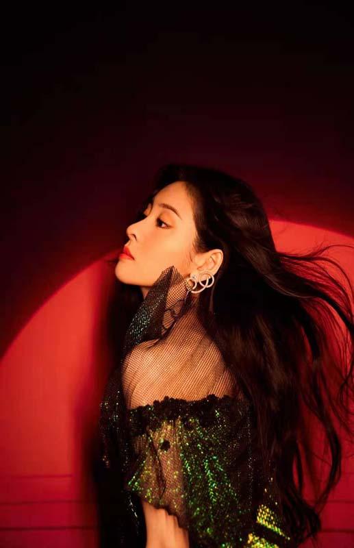 张碧晨第二张专辑收官曲《逢生》首发 双跨年首秀开唱