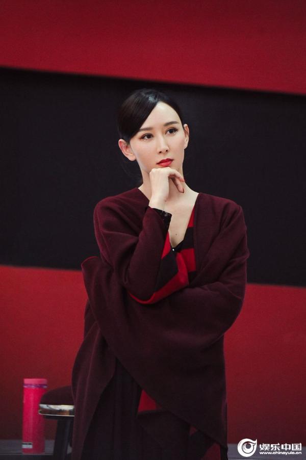 胡静《姐姐2》前期展超级实力《大鱼》舞蹈艺术惊艳气质优雅