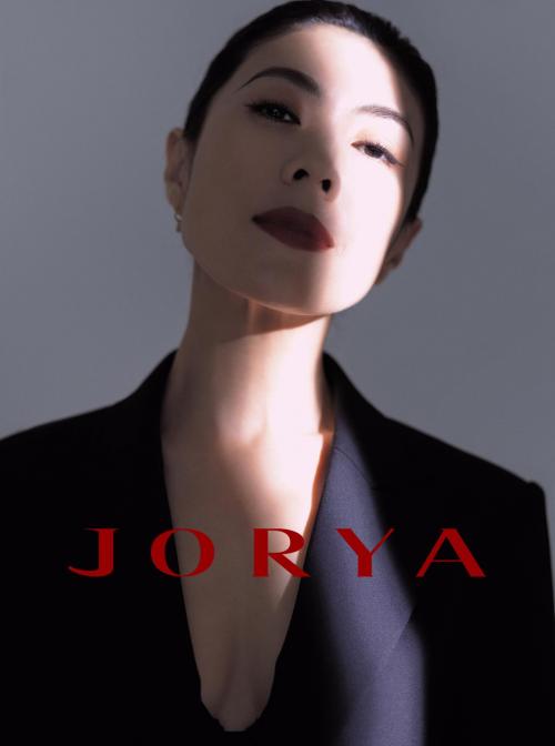 苏芒是JORYA品牌J Lady系列的第一任大使 时尚恶魔依旧优雅