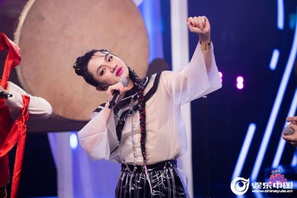 黄卓霖模仿阿朵生动的表达方式 受到这方面的认可 《百变大咖秀》 第三网络收视率获得第一名