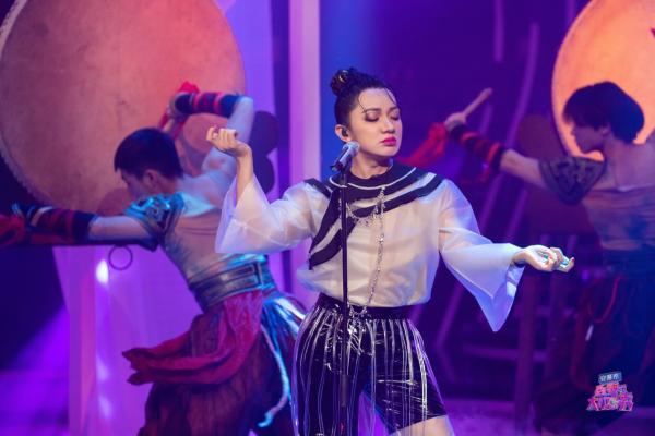 王祖蓝模仿阿朵传神获本尊认可 《百变大咖秀》三网收视蝉联第一