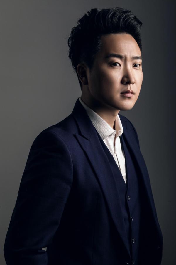 许一鸣作曲家 岳云鹏演唱《最亲的人》 2021年央视春晚落地
