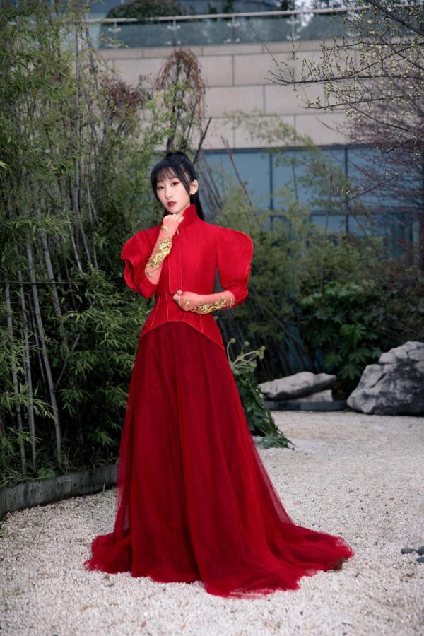 国风人气歌手等什么君霍尊 江苏卫视春晚同台仙乐飘飘