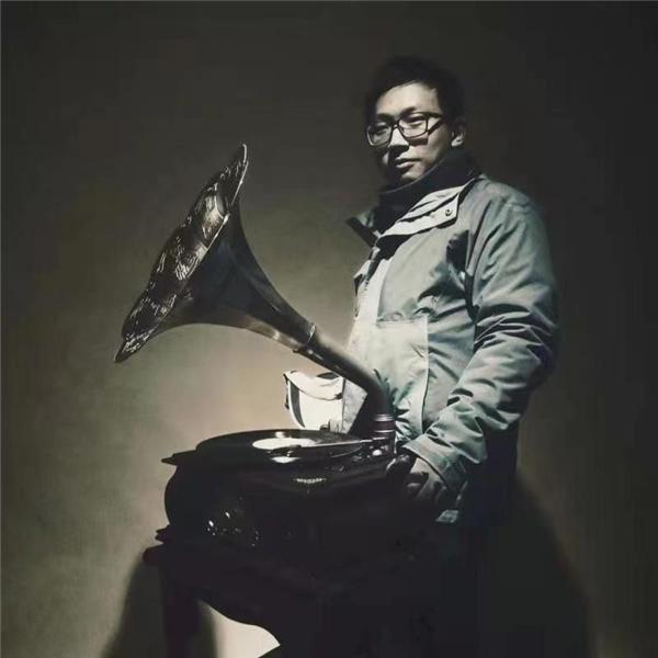 青影协影视梦工厂暨电影《搭台》在原城纪正式启动更有力的推动江西文化产业的蓬勃发展