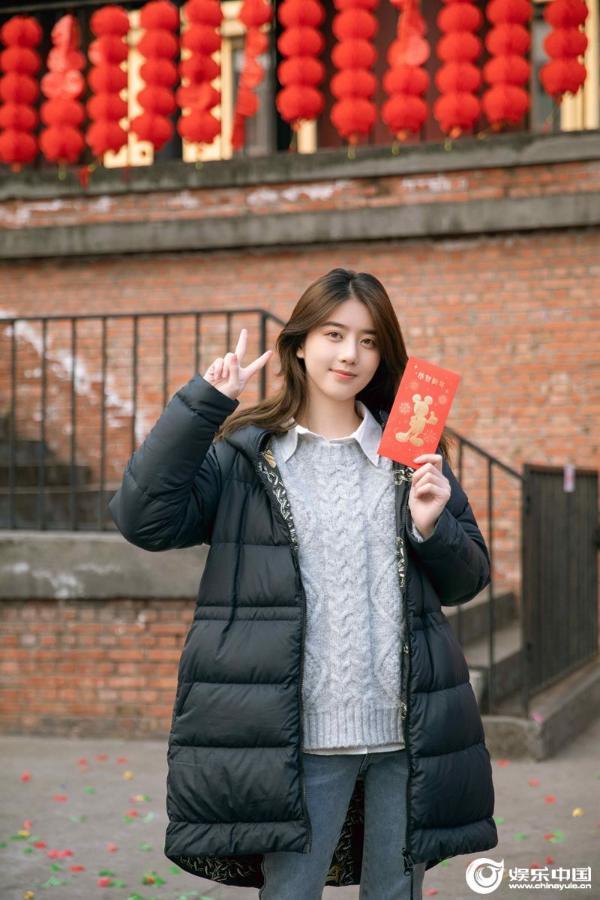 片名:电影《成都漫步》开始新版《聂萧乾》埃莉诺领衔主演