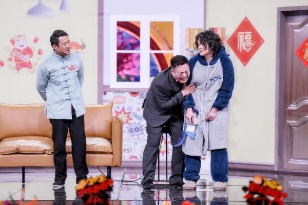 """喜剧界""""神仙开会"""" 北京台春晚语言类节目持续""""爆梗"""""""