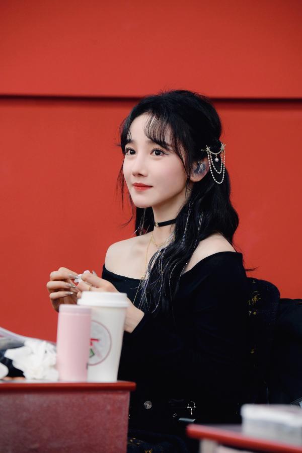 《乘风破浪的姐姐》第二季今天更新 陈晓宇的第一个表演阶段备受期待
