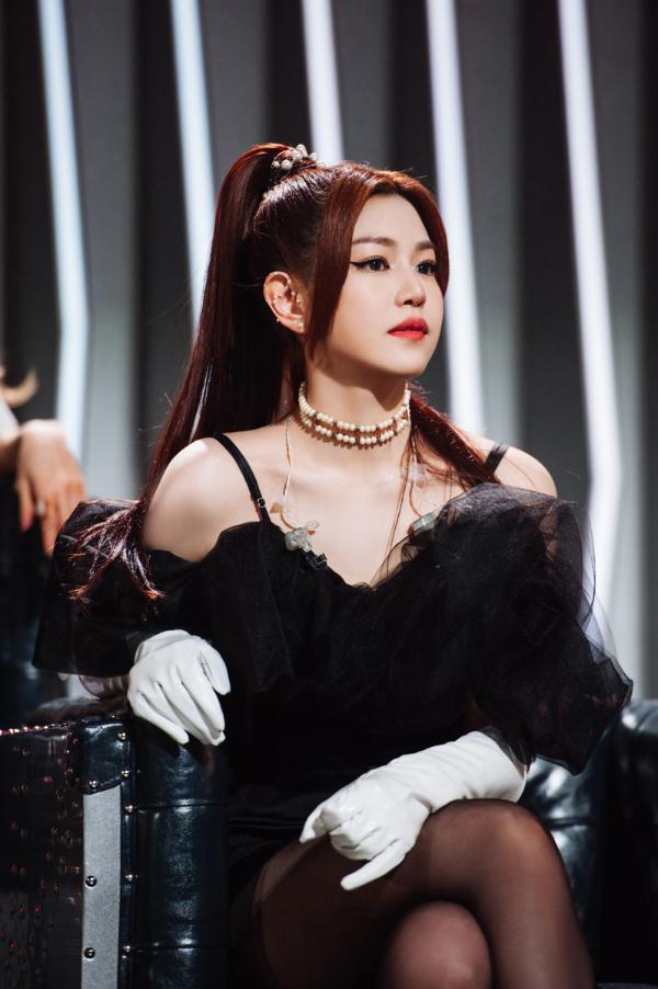 陈妍希《姐姐2》首映式首次亮相甜蜜轰炸罢工坦率地说 妇女是有限的定义