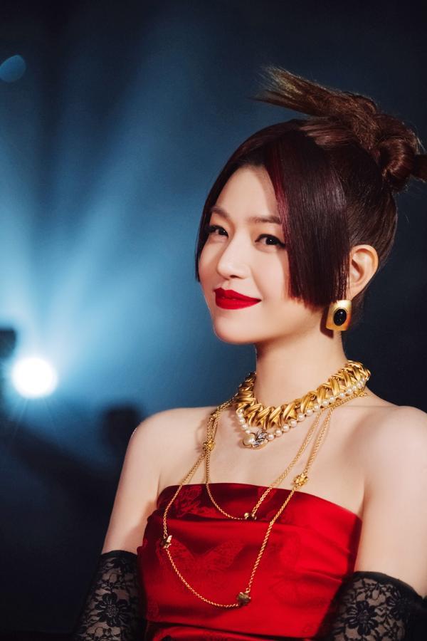 陈妍希《姐姐2》公演首秀甜炸来袭 坦言女性被局限定义