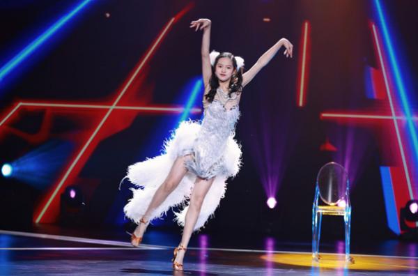 """《跳舞吧,少年》刘迦现场表白,李子璇舞蹈表现""""心碎"""""""
