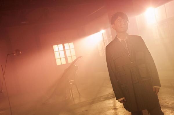 张信哲新专辑《就懂了》成绩斐然 《在不在》MV 3.26生日惊喜上线