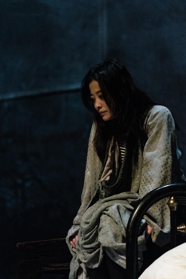 梅婷与波兰戏剧大师陆帕合作 话剧《狂人日记》哈尔滨正在首演