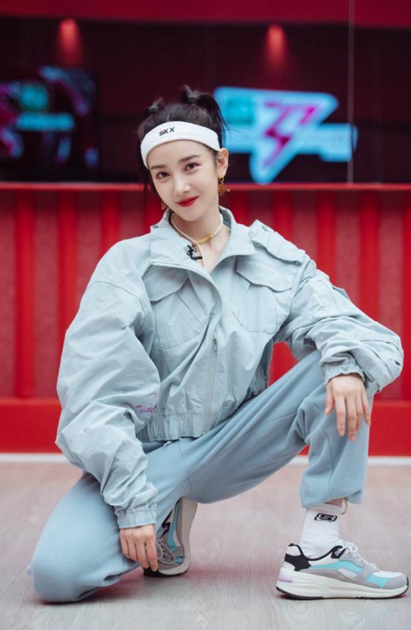 《乘风破浪的姐姐》第二季热门陈晓宇谈论演员和歌手的区别