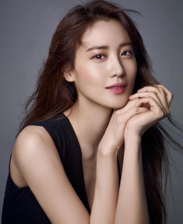 秀炫加入YG ENTERTAINMENT 继活跃国际后即将开展韩国国内活动