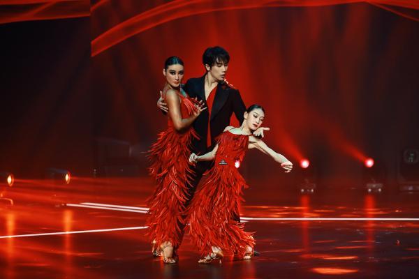 《跳舞吧!少年》李子璇舞蹈模仿猫和老鼠,顶级舞者来助阵