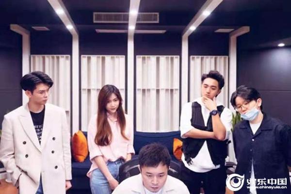 """""""好声音""""人气学员崔佳莹新歌《无畏》上线 呈现「我敢」后的倔强与成长"""