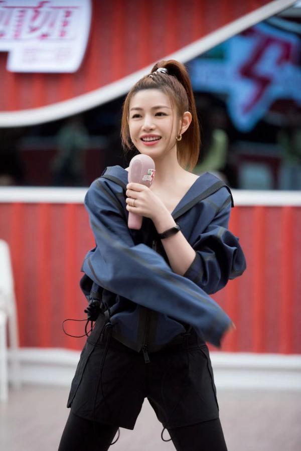陈妍希姐姐2努力训练进步显著 回应外貌争议已多年不吃调味料食物