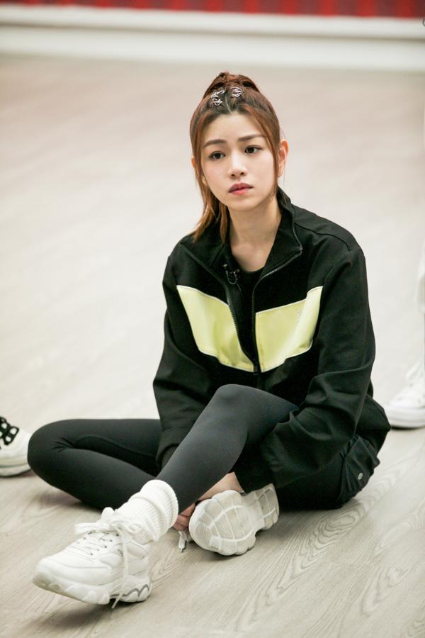 陈妍希的妹妹2努力训练和提高 并对外貌争议做出了显著的回应 她多年没吃调味食品了