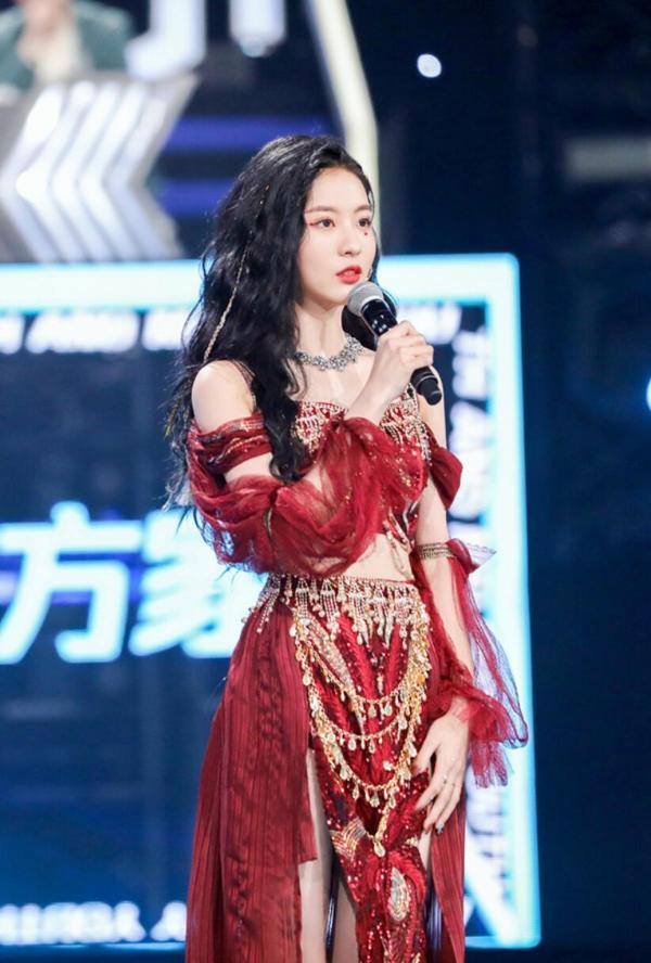 东方卫视《金曲青春》正式开播 丝芭家族担当SNH48孙芮应战
